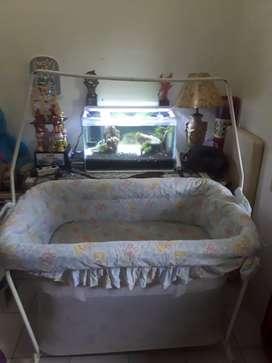 Tempat tidur bayi 3 in 1 masih bagus