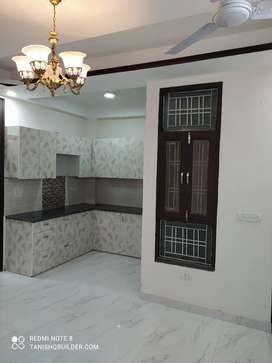 Buy 3 BHK flat in Ashok Vihar Gurgaon Near Sector 5 Circle