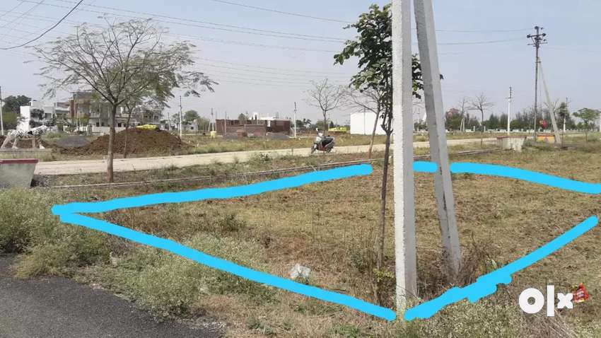 Plot sell 1643 sqft road touch 0