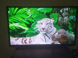 32 inches LED TV WiFi smart