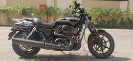Harley Davidson Street 750 - Glossy Black - First Owner