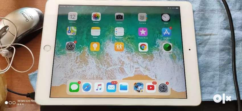 iPad 5th gen 32gb 0
