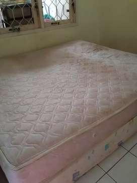 Kasur Spring bed + Dipan