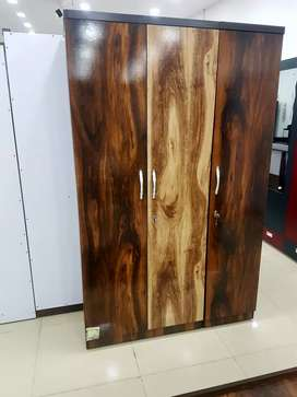 New three door walldrobe in direct factory price.
