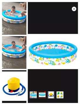Kolam renang. Mini kolam anak