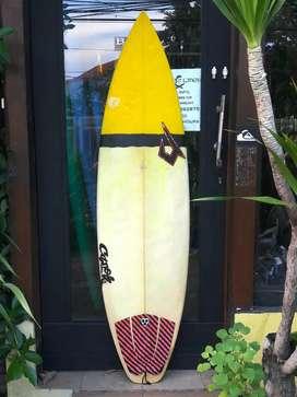 papan surfing bekas