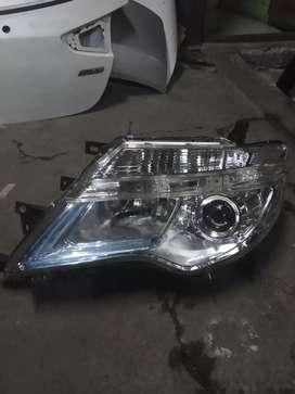 Headlamp Lampu Depan Nissan Serena 2015