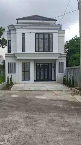 Rumah Mewah 2 Lantai Luas Champaca Residences Rempoa-Pondok Indah Grup