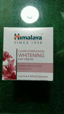 Himalaya Clear Complexion Whittening Day Cream( Cream Siang)