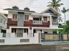 4 bhk 2200 sqft new build gated  villa at kakkanad thevakkal