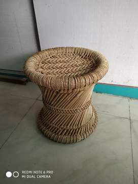 Cafe ke liye chair sell karna hai 12. Top condition, only 20 days old.