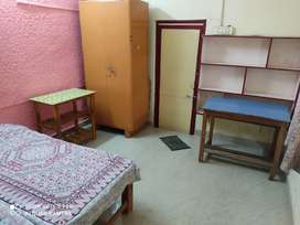 Rooms for Rent for boys and job persons.