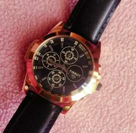 Watch in excellent condition new one.. watch not used