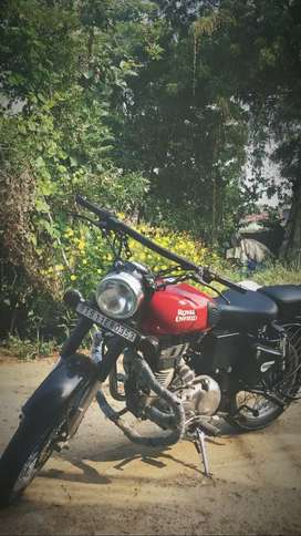 Royal Enfield classic 2017 8 month model