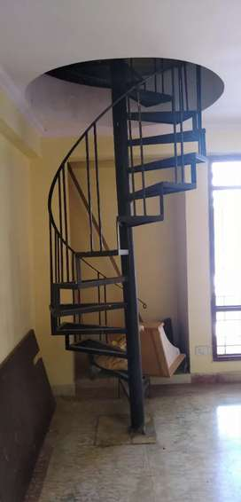 Flat in banipark for rent