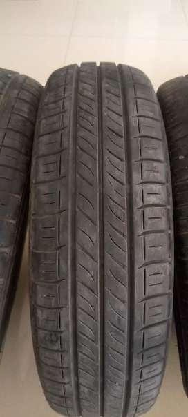 Japnies dunlop tyre just 9000 used .