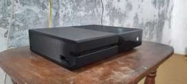 Xbox one for sale condition 09/10 with one controller