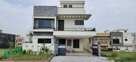10 MARLA DESIGNER HOUSE FOR SALE IN BAHRIA TOWN PHASE 8 , F1 BLOCK ,