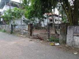 10 cent prime house plot at kaloorsouth janatha road  Friendship lane