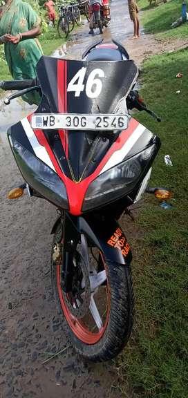 Good condition Yamaha R15 v1