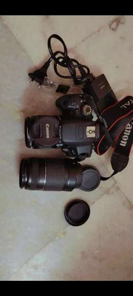 Canon 700 D camera for sale...