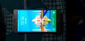 Samsung  j7 6 good condition  with box and charger