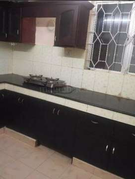 1600 sq ft 3 bhk semi furnished flat for rent