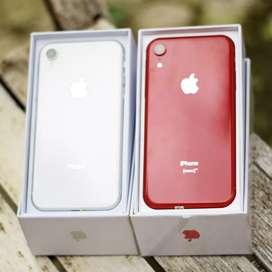 IPHONE XR 64 GB sisa warna white kasih murah aja ya fullset nominus