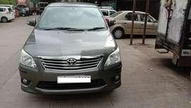 Toyota Innova 2.5 V 7 STR, 2013, Diesel