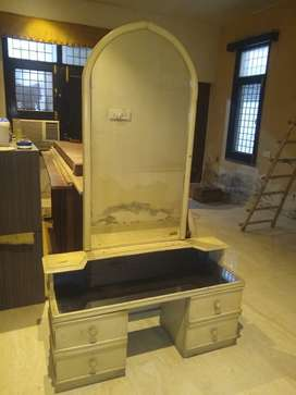 Dressing table with full length mirror and storage
