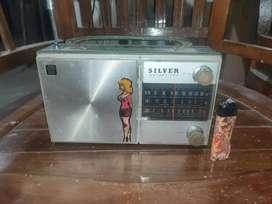 Radio transistor silver kondisi mendengung