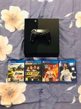 Ps4 1 tb console with 5 games