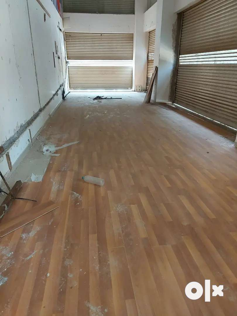 1500 FT SHOP FOR RENT COLLEGE ROAD 0