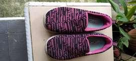 Sepatu Skechers original anak