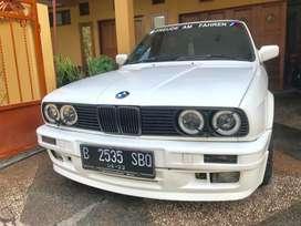 BMW 318 i M 40 Warna Putih Manual tahun 1990 pakai 1991 Full M Tech