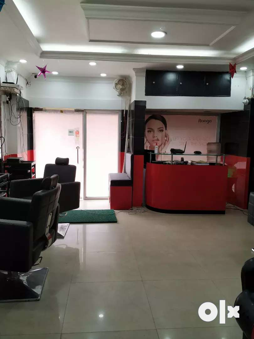 Sale 650 sqft spa and parlour 0