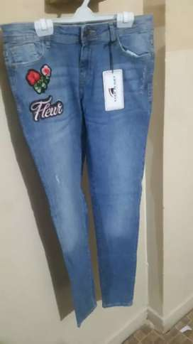 JEANS PENTS FOR GIRLS/PERFECT LADIES JEANS PENTS