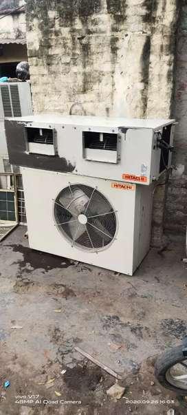 Hitachi 8.5ton AC