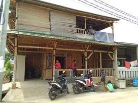 Jual rumah 2 lantai unik dari bambu