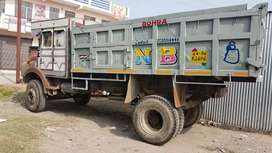 Tata 1613 commercial vehicle