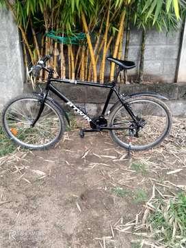 Btwin rockrider 300 cycle