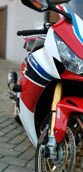 Honda CBR 1000 RR SP Limited hanya 11 unit di Indonesia FP