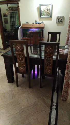 Dining table 4 chair