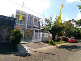 Rumah Minimalis dan Baru Disewakan di Graha Golf Araya Malang