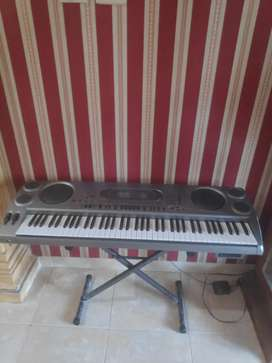 Keyboard casio WK 1800