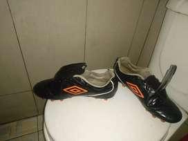 Sepatu bola umbro speciali 4 club hg