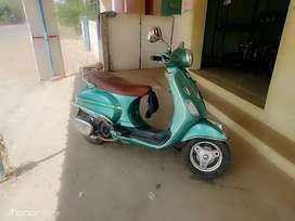 Women used vespa, green color,call nine44five5four8787