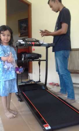 Buduran sporty Treadmill Elektrik massager 5 stonne familly