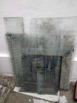 Glass for aquarium
