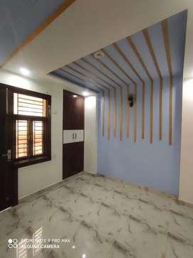 2BHK 60 Sq Yards flat with Car Parking at 25 Lacs in Uttam Nagar